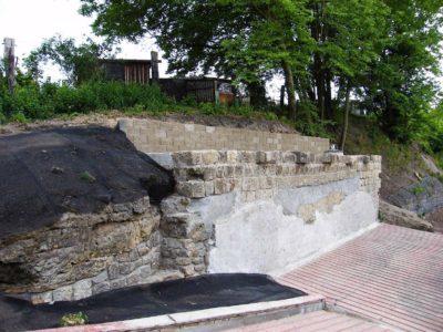 Realizace sanačních prací - stříkané betony, stabilizace ocelovou sítí a georohoží, opěrné zdi ze ztraceného bednění