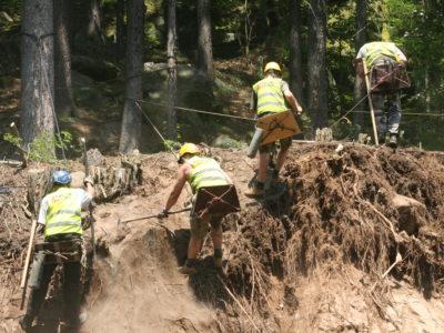 Ruční odkopy a dočištění skalního masivu