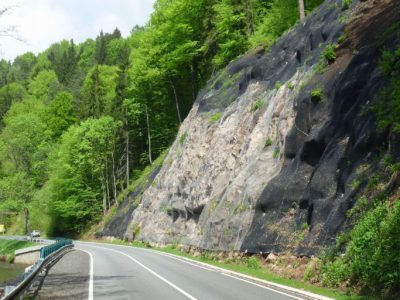 4 Adamov-stabilizace-skalniho-svahu-jaro 2011