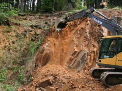 Těžba pomocí těžké techniky